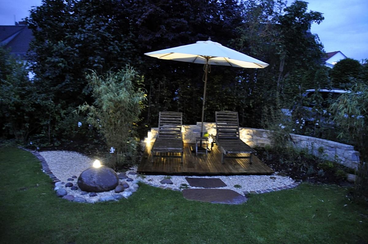 beleuchtung nat rliche g rten gartenplanung und gartengestaltung pflanzenpflege feng. Black Bedroom Furniture Sets. Home Design Ideas